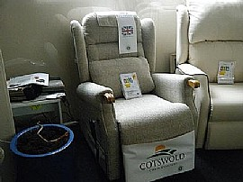 Berkeley Dual Motr Rise & Recline Chair - Cotswold